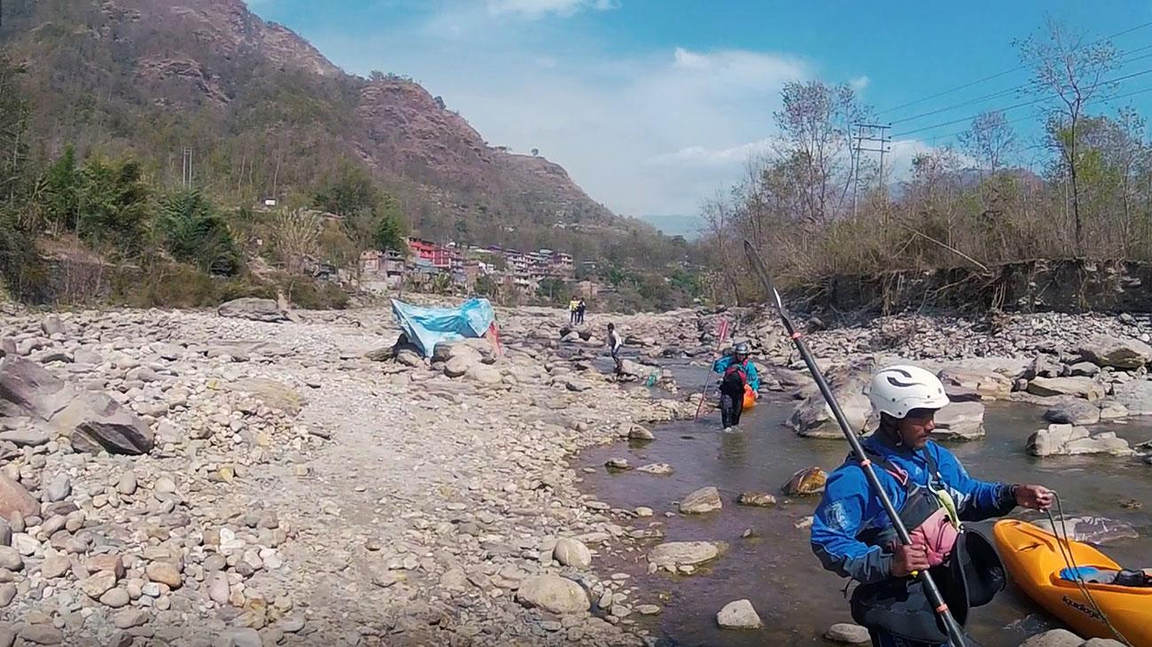 atff_kayaking_nepal02