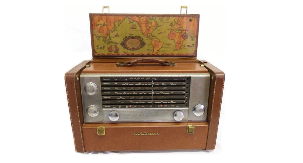 A vintage radio
